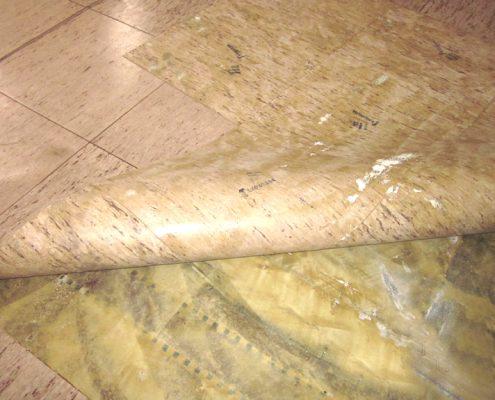 Terazzo-Boden-Freilegung
