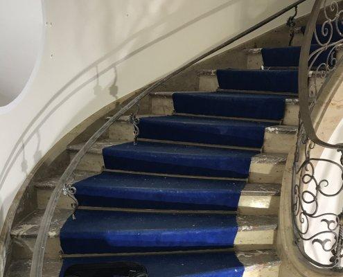 kalkstein-marmor-treppe-geschliffen